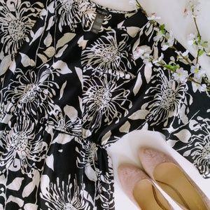 Bisou Bisou | Black & White Floral Sheath Dress
